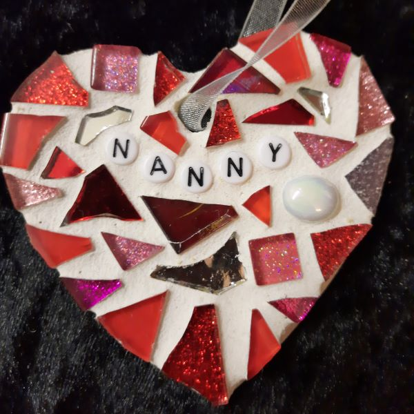 Memorial mosaic heart by Gifts to Celebrate and Commemorate