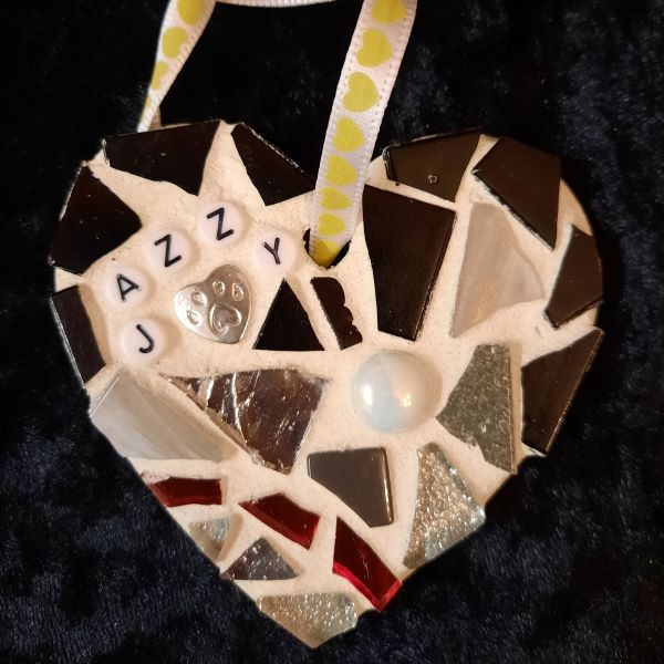 Pet memorial mosaic heart by Gifts to Celebrate and Commemorate