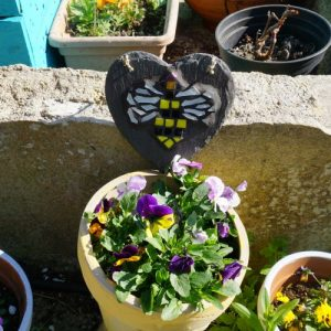 Mosaic Bee Heart for Indoor or Outdoor Use – Pre-made and Ready for Dispatch