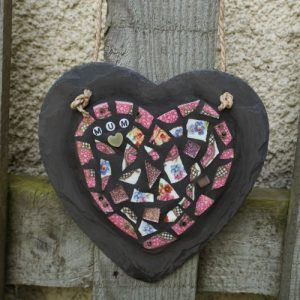 Mosaic Pink Mum Heart on Slate for Indoor or Outdoor Use – Pre-made and Ready for Dispatch
