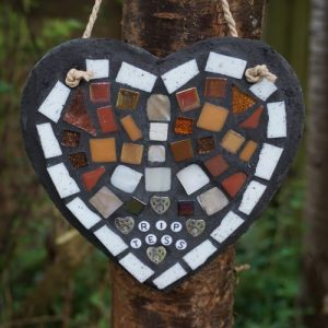Mosaic Pet Memorial Heart on Slate 15cm – Made to Order